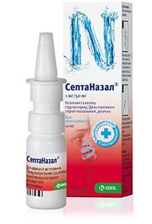 Описание наСептаназал спрей за възрастни x10 мл:     Този продукт представлява спрей за нос, предназначен за възрастни. Съдържа ксилометазолин и декспантенол. Ксилометазолинът свива кръвоносните съдове в лигавациата на носа и намалява отока и отделянето на секрети. Така облекчава чувството на запушен нос. Декспантенолът има способност да възстанови наранената носна лигавица като по този начин я предпазва от увреждания.    Предназначение на септаназал:   - Намалява отока на носната лигавица при възпаление на лигавицата на носа (ринит) и за подпомагане зарастването на лезии по назалната лигавица и съседните кожни участъци; - За облекчаване симптомите на неалергично възпаление на носната лигавица (вазомоторен ринит); - За лечение на нарушено дишане през носа след назална хирургична операция. Това лекарство е предназначено за употреба при деца на възраст от 2 до 6 години.     Състав наСептаназал спрей за възрастни x10 мл:     Активните субстанции:ксилометазолин хидрохлорид и декспантенол.Всяко впръскване от спрея за нос, разтвор съдържа 1 mg ксилометазолин хидрохлорид и 50 mg декспантенол.Едно впръскване (0.1 ml от спрея за нос, разтвор) съдържа 0.1 mg ксилометазолин хидрохлорид и 5.0 mg декспантенол.Другисъставки:калиев дихидроген фосфат, динатриев фосфат, додекахидрат и вода, пречистена.