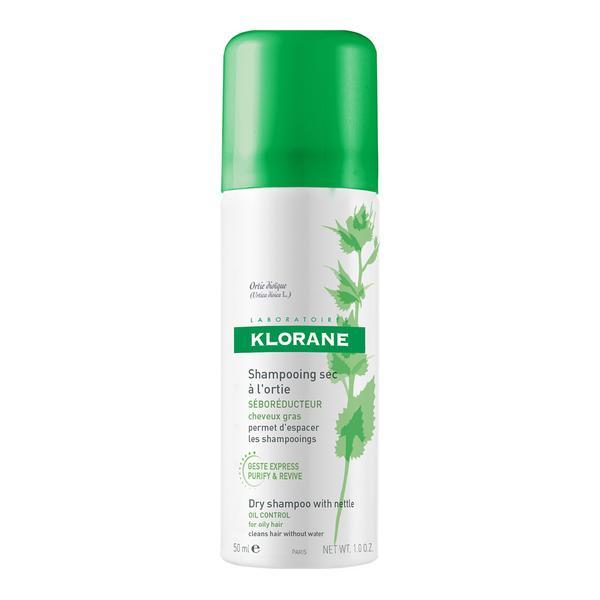 Описание наKlorane Сух шампоан с коприва x50 мл:     Сухият шампоан с екстракт от коприва на известната френска марка Клоране много лесен и практичен начин да почистите експресно косата без да я мокрите. Този революционен продуктабсорбира замърсяванията и себума по скалпа, тъй като съдържа оригинална комбинация от ултра абсорбиращиагенти.Съдържа екстракт от коприва, който е познат със себорегулиращите си свойства. Придава обем и лекота на косата само за няколко минути. Удобен за носене и бърз за употреба при всякакви обстоятелства: пътуване, импровизирани вечери, туристически пътувания и други.Този сух шампоан е идеална алтернатива за разреждане на измиването с шампоан при мазен скалп.Продуктът е хипоалергенен и съдържа натурални растителни съставки.  KLORANE Сух шампоан с коприва абсорбира излишъка от себум и позволява раздалечаване във времето на измиванията с класически шампоан.     Състав наKlorane Сух шампоан с коприва x50 мл:     Формулата е уникално съчетание на екстракт от коприва, с доказани себорегулиращи свойства, и микронизирани пудри, с висока абсорбираща способност. Косата преоткрива обем и плътност за няколко минути. Без оцветители.
